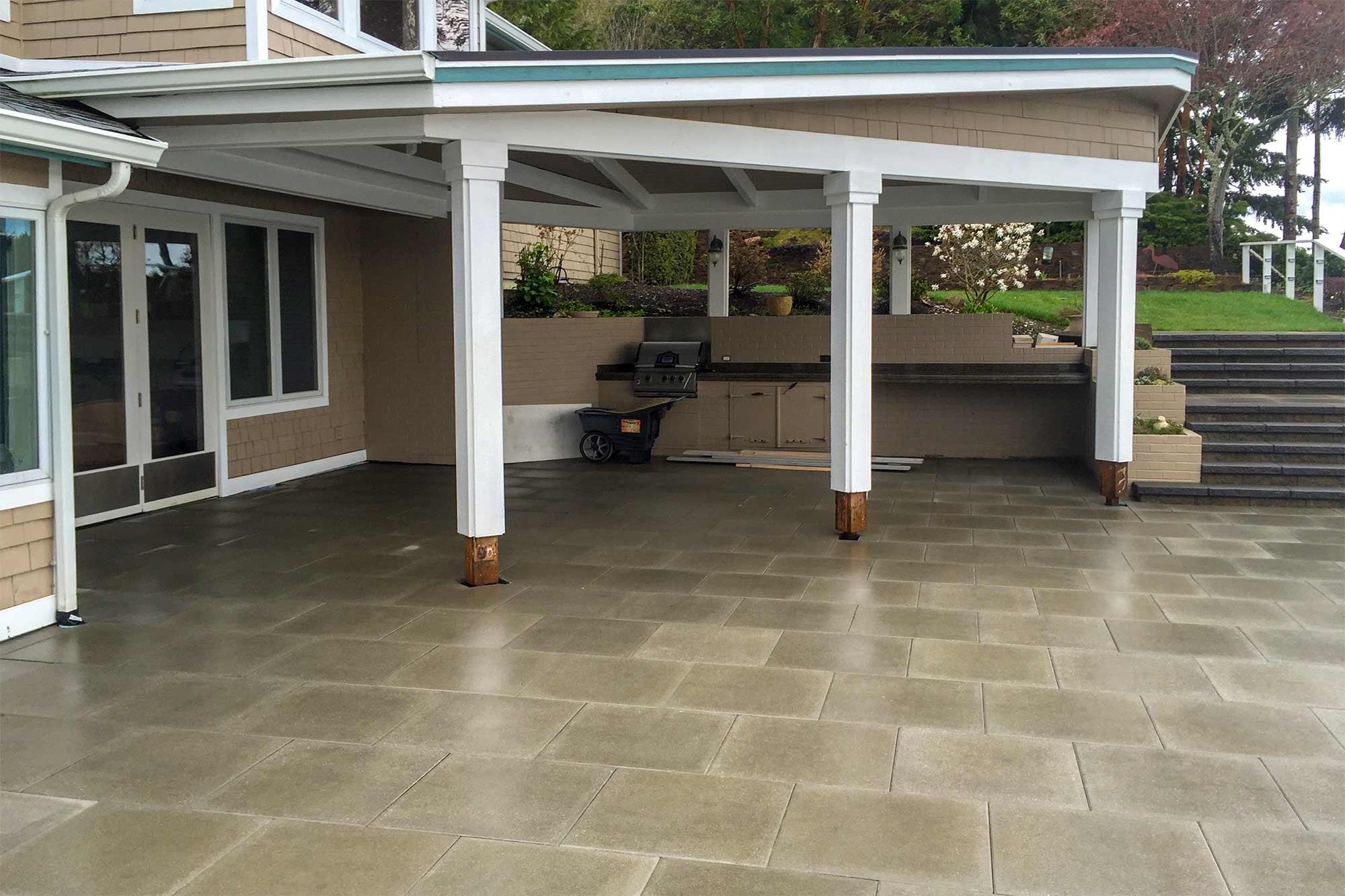 Vancouver Bay paver patio